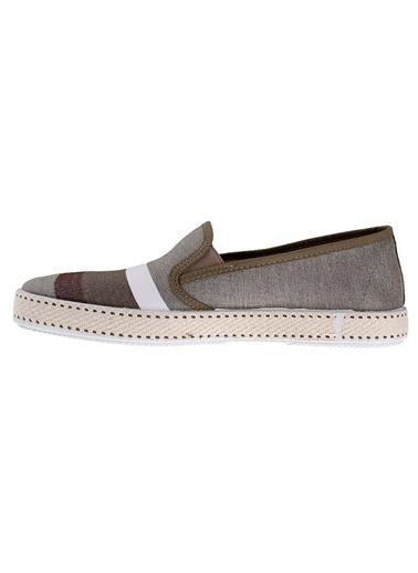 Frau Ayakkabı Taş